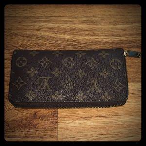 Zippy Monogram LV Wallet